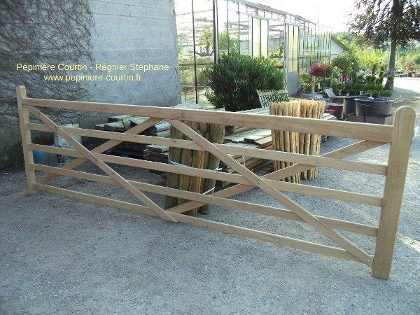 barrière en bois prête à être posée